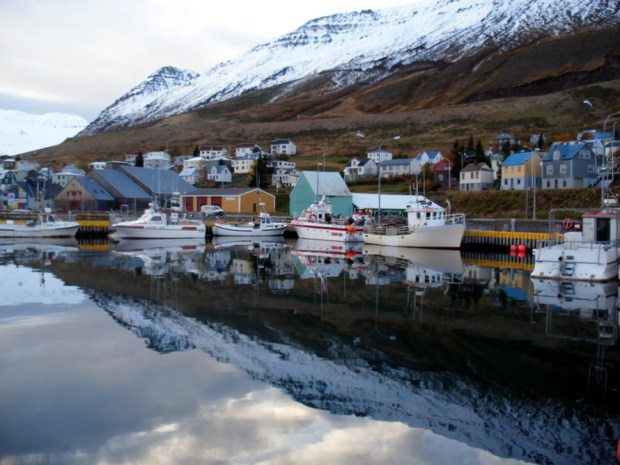 AD-Most-Picturesque-Winter-Towns-From-Around-The-World-16-1