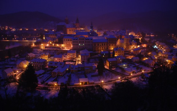 AD-Most-Picturesque-Winter-Towns-From-Around-The-World-17