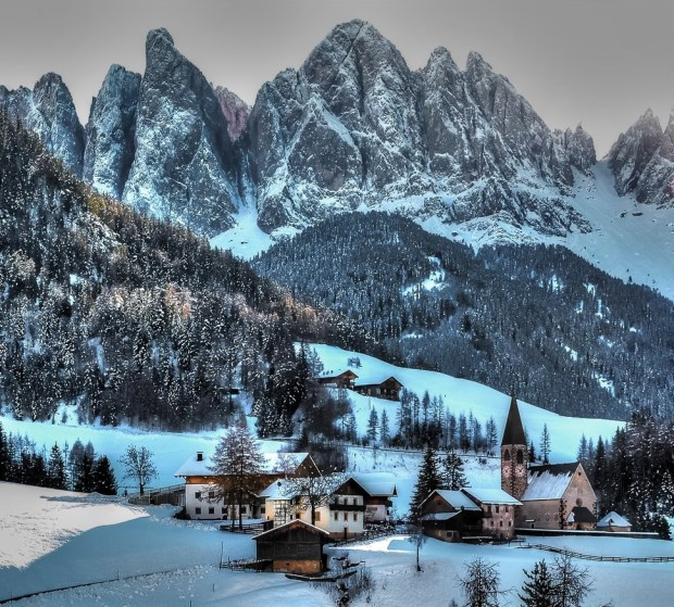 AD-Most-Picturesque-Winter-Towns-From-Around-The-World-18