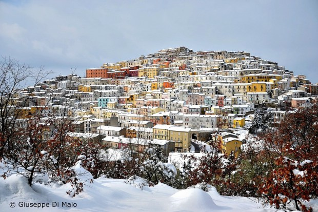 AD-Most-Picturesque-Winter-Towns-From-Around-The-World-20