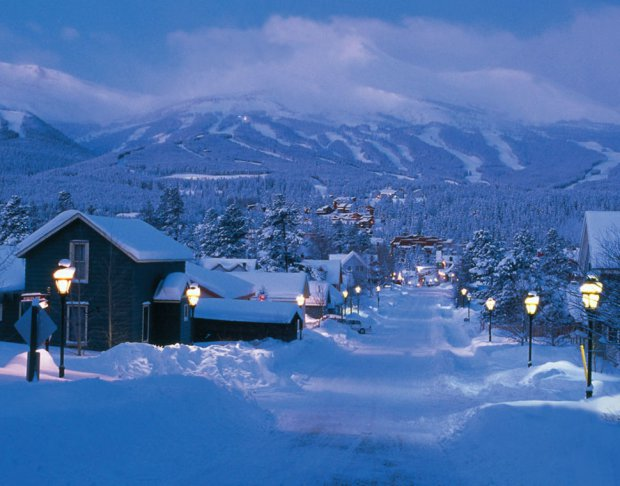 AD-Most-Picturesque-Winter-Towns-From-Around-The-World-24