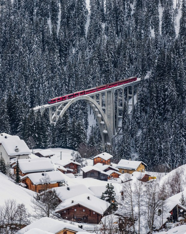 AD-Most-Picturesque-Winter-Towns-From-Around-The-World-26