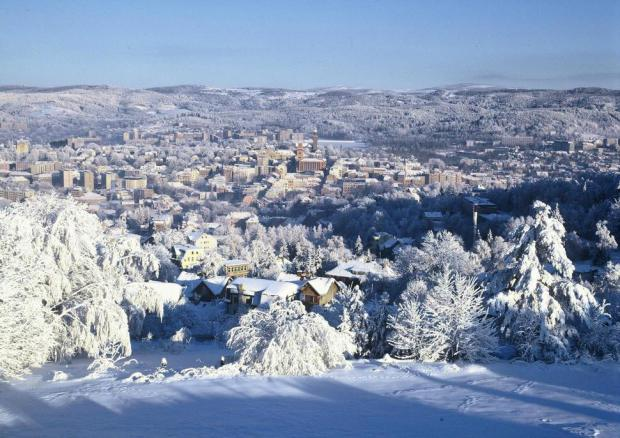 AD-Most-Picturesque-Winter-Towns-From-Around-The-World-27