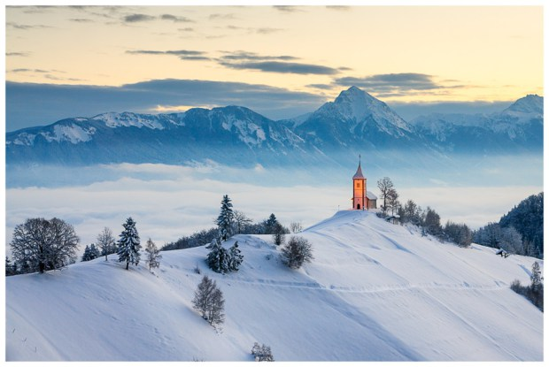 AD-Most-Picturesque-Winter-Towns-From-Around-The-World-28