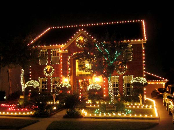 outdoor christmas lighting decorations 23