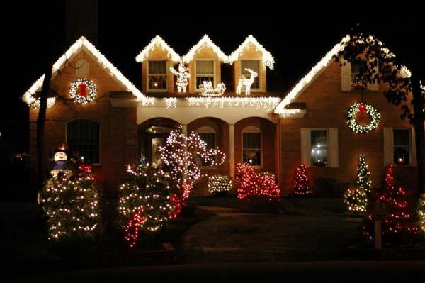 Outdoor-Christmas-Lighting-Decorations-27