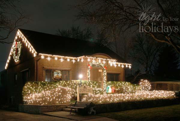 Outdoor-Christmas-Lighting-Decorations-31