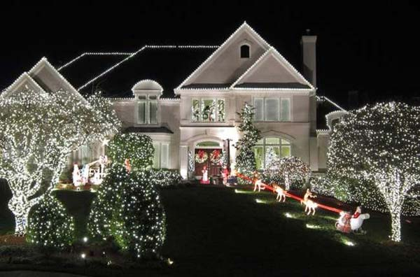 Top 46 outdoor christmas lighting ideas illuminate the holiday outdoor christmas lighting decorations 32 mozeypictures Image collections