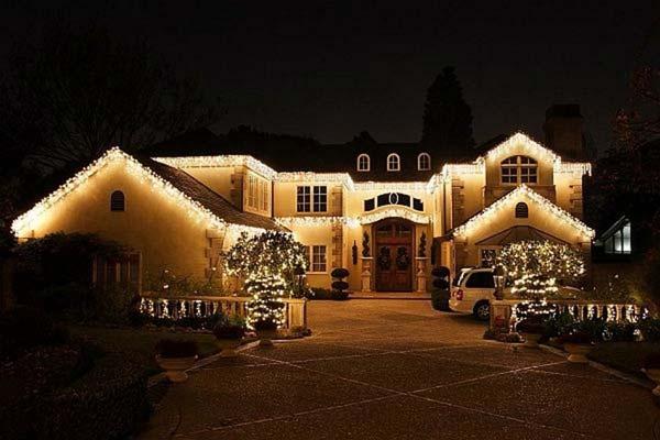 Outdoor-Christmas-Lighting-Decorations-34