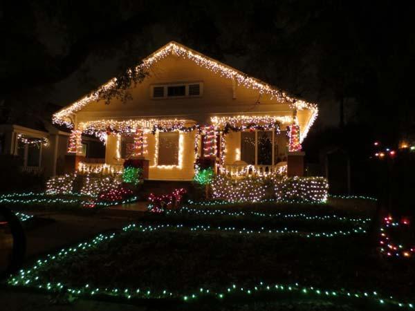 Outdoor-Christmas-Lighting-Decorations-39