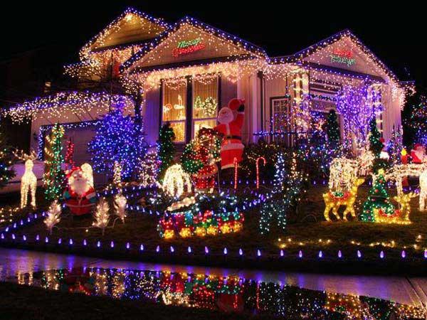 Outdoor-Christmas-Lighting-Decorations-6