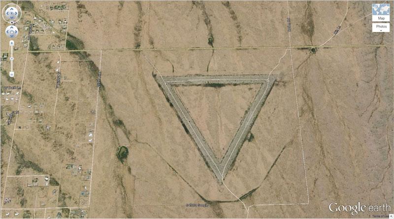 5-giant-triangle-google-earth