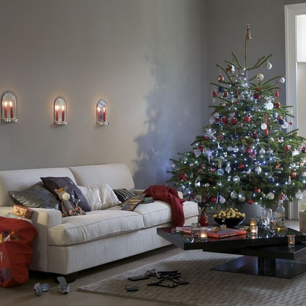 ad 01 christmas decorating ideas for living room - Small Christmas Tree Decorating Ideas