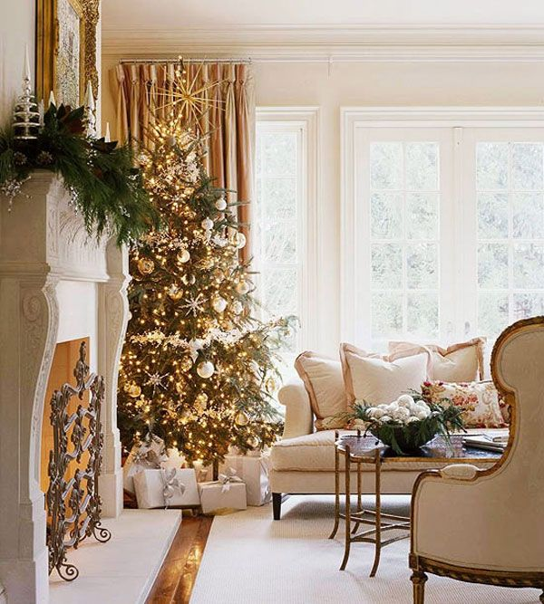 AD-08-gold-christmas-tree-decor