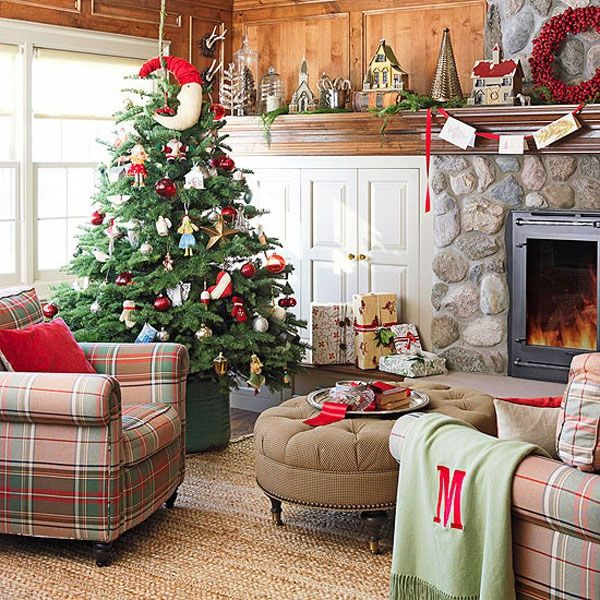 AD-18-fireplace-christmas-tree