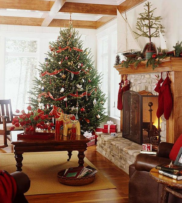 AD-35-imposing-christmas-tree