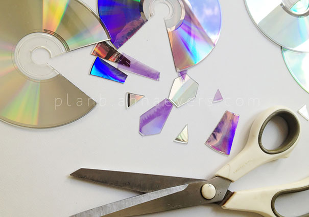 AD-Recycled-DIY-Old-CD-Crafts-17