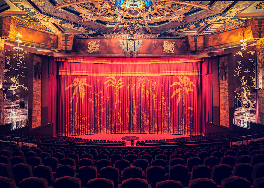10-AD-Cinemas-Interior-Graumans-Chinese-Theatre-10