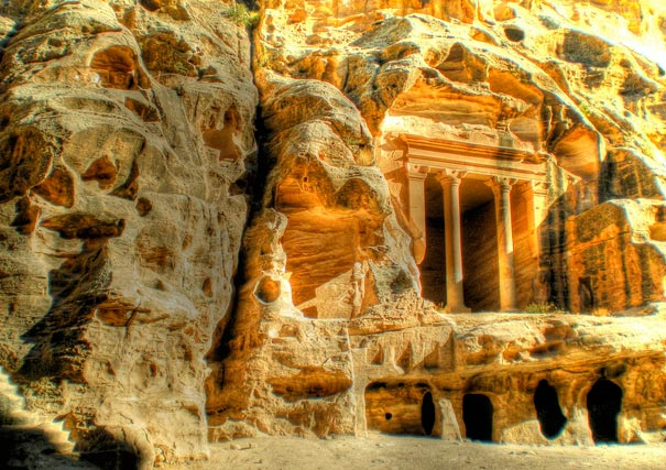 10-amazing-places-petra-2