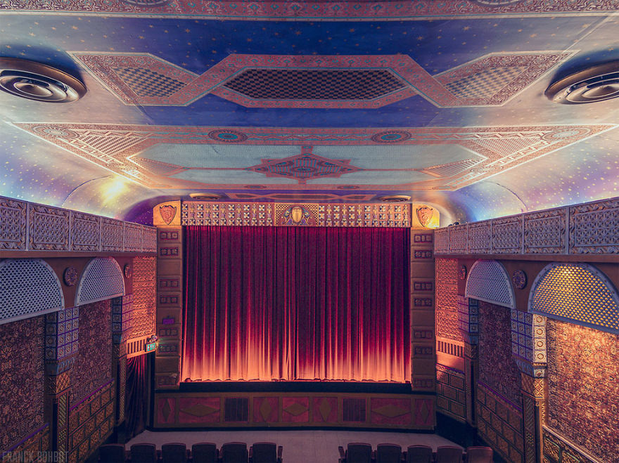 14-AD-Cinemas-Interior-Grand-Lake-Theatre-14