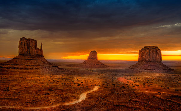 15-amazing-places-monument-valley-1