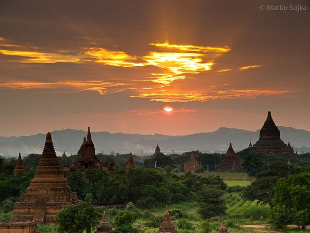 21-AD-amazing-places-abagan-myanmar-1-2