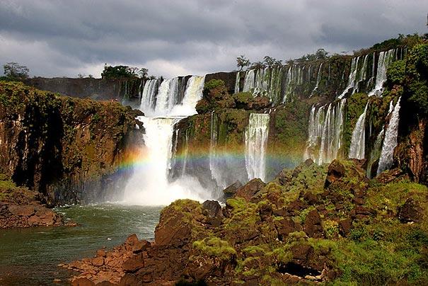 25-AD-amazing-places-iguazu-falls-5-1