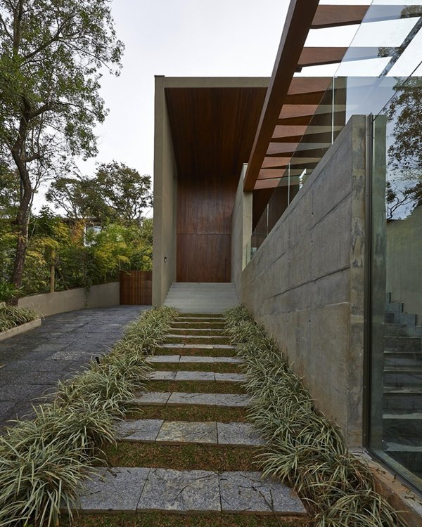 Front Door Step Ideas: 15 Fabulous Designs For Your Front Entry