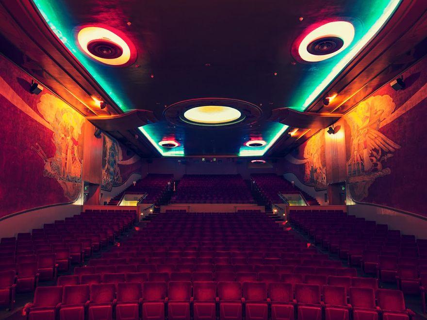 8-AD-Franck-Bohbot-Cinemas-8-1