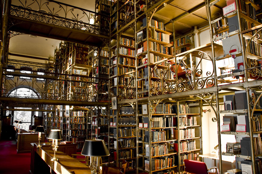 AD-Amazing-Libraries-47