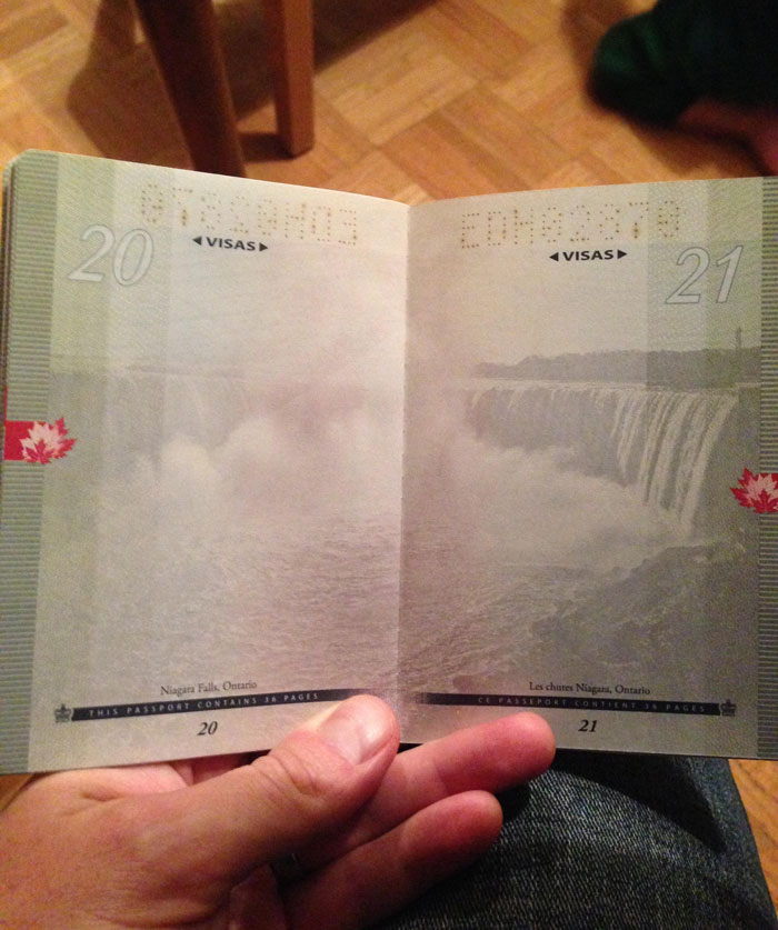 AD-New-Canadian-Passport-UV-Light-Images-10