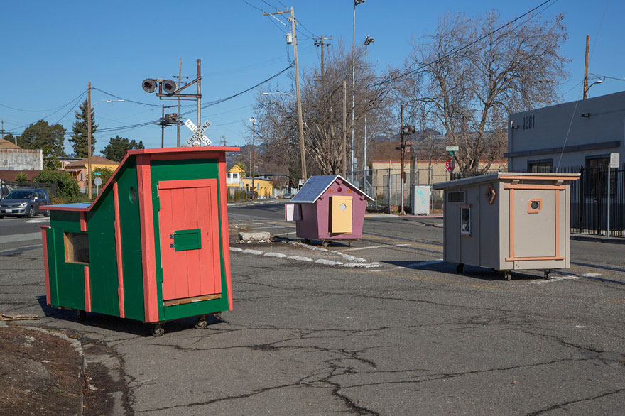 AD-Recycled-Homeless-Homes-Project-Gregory-Kloehn-04