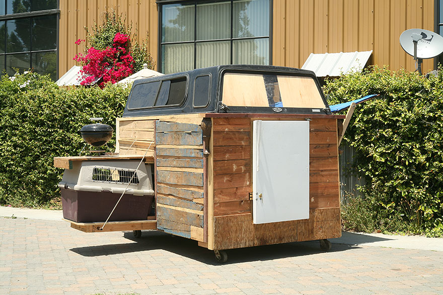 AD-Recycled-Homeless-Homes-Project-Gregory-Kloehn-10