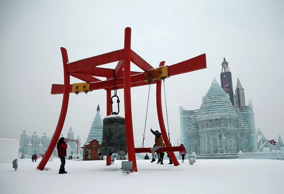 AD-Unbelievable-Creations-From-The-31st-Harbin-International-Ice-And-Snow-Festival-03