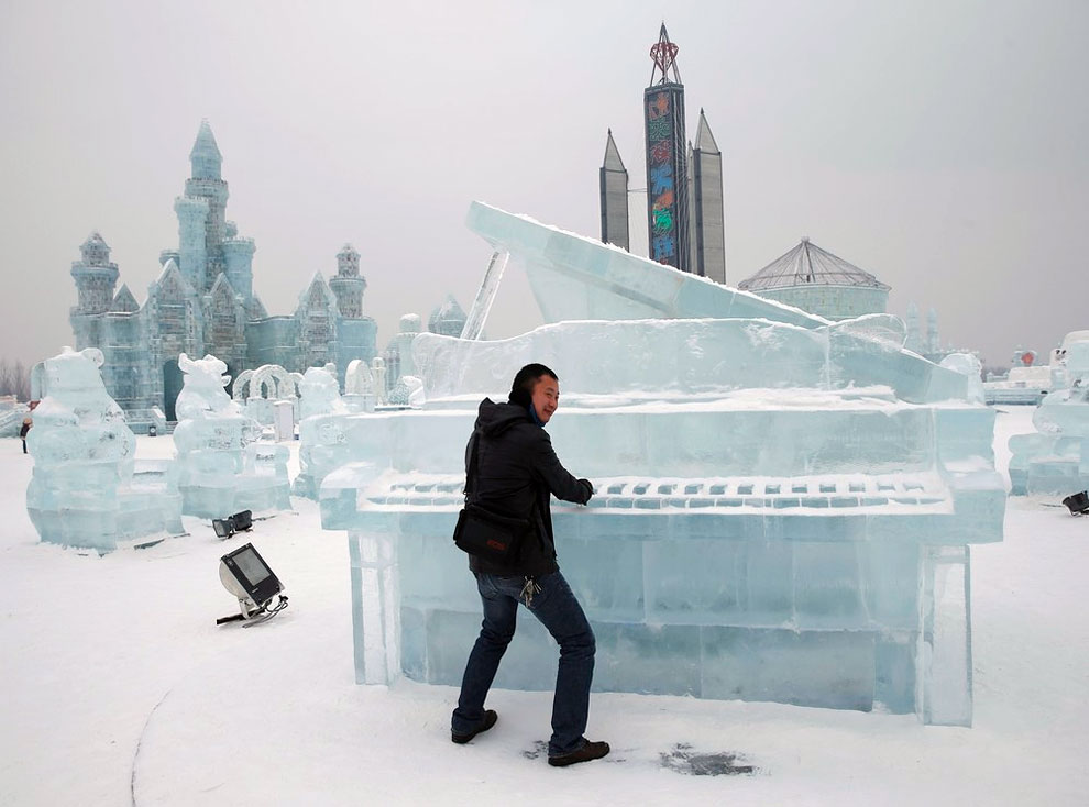 AD-Unbelievable-Creations-From-The-31st-Harbin-International-Ice-And-Snow-Festival-08