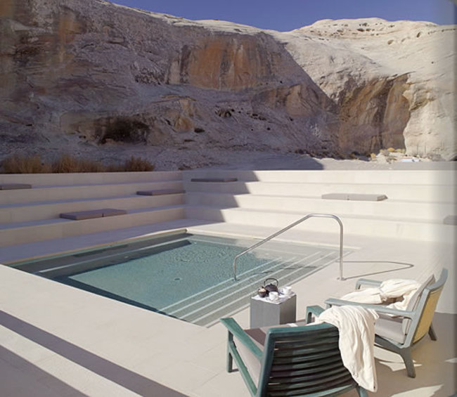 AD-Hot-Tubs-That-Could-Only-Be-More-Amazing-19
