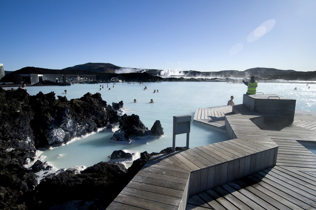 AD-Hot-Tubs-That-Could-Only-Be-More-Amazing-7
