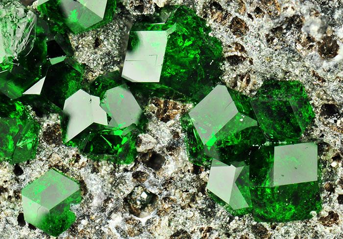 AD-Amazing-Stones-Minerals-19