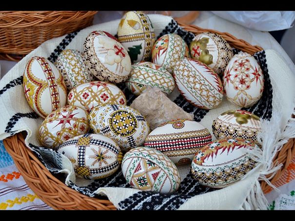 50 creative easter egg decoration ideas architecture design ad creative easter eggs 41 negle Choice Image