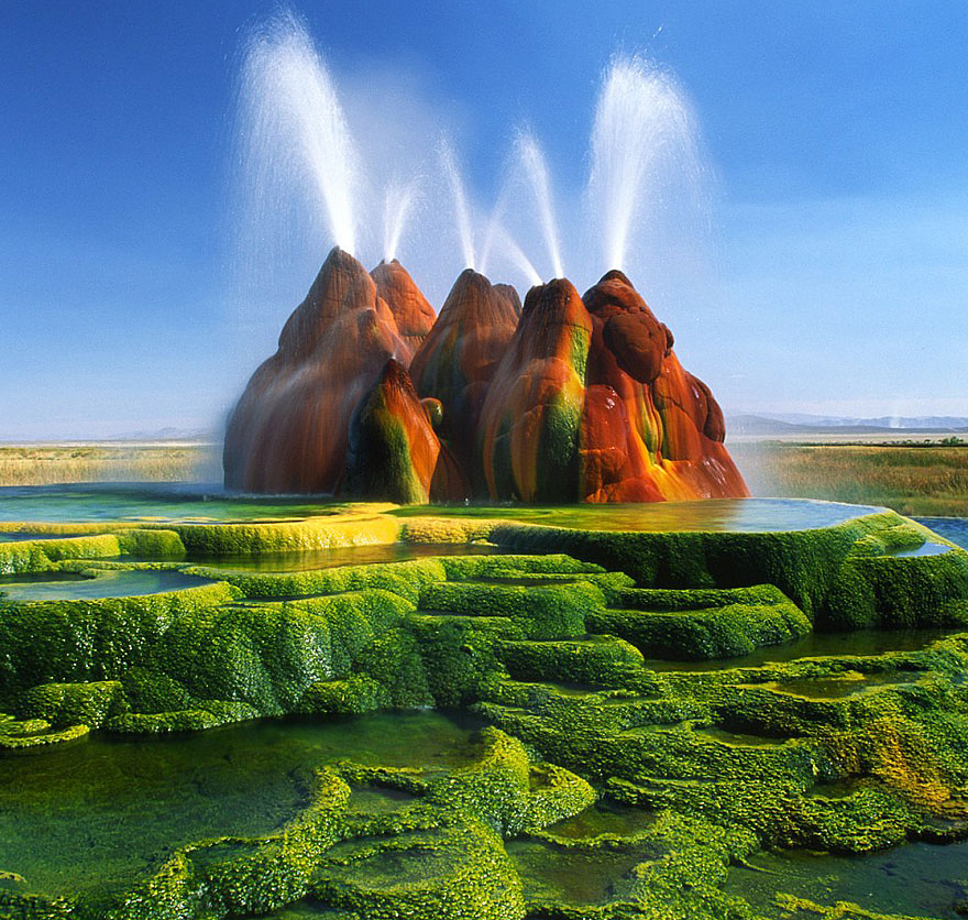 AD-Alien-Places-Look-Like-Other-Worlds-1