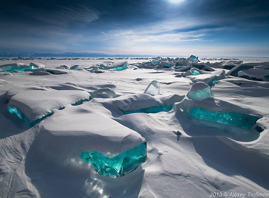 AD-Alien-Places-Look-Like-Other-Worlds-16