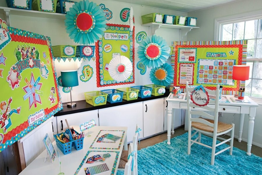 30 epic examples of inspirational classroom decor for Decoracion de espacios de aprendizaje