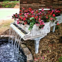 25+ Ways To Turn Your Old Furniture Into A Fairytale Garden