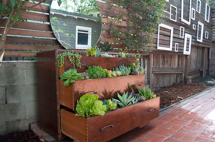 AD-Recycled-Furniture-Garden-13