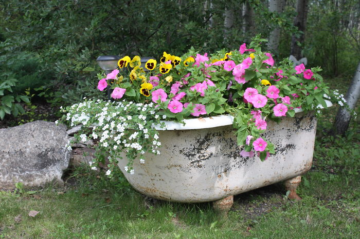 AD-Recycled-Furniture-Garden-6
