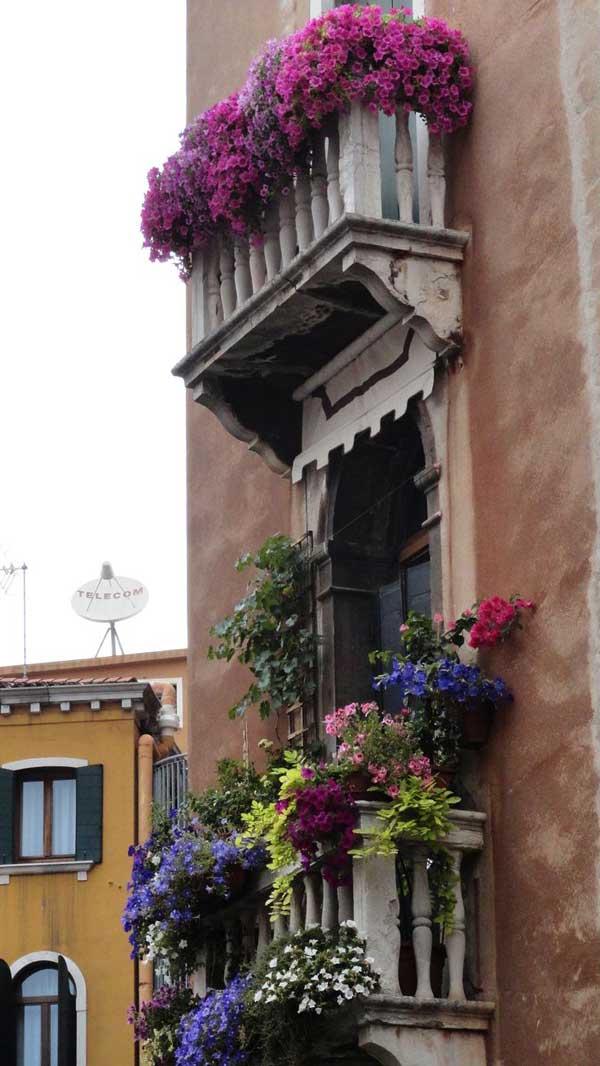 AD-Spectacular-Balcony-Garden-19