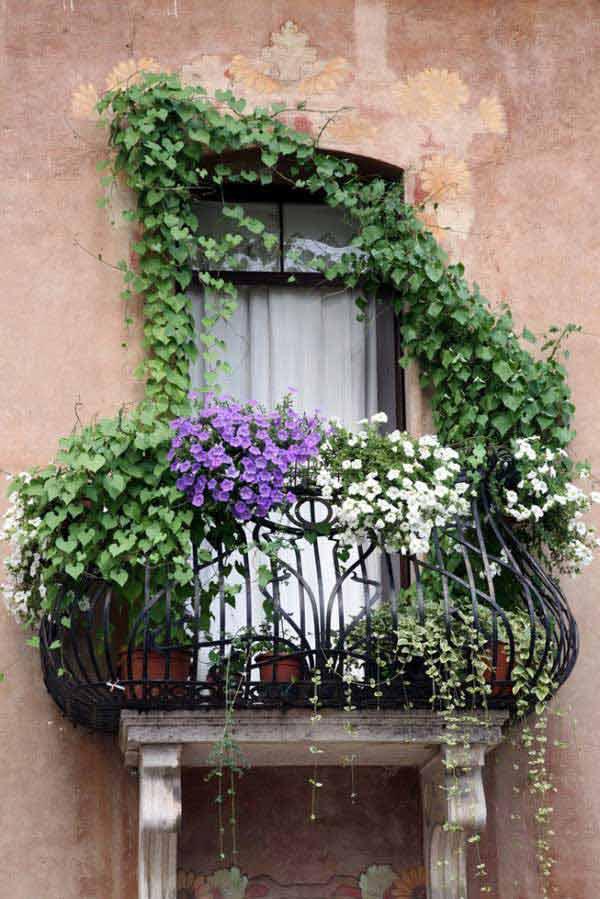 AD-Spectacular-Balcony-Garden-5