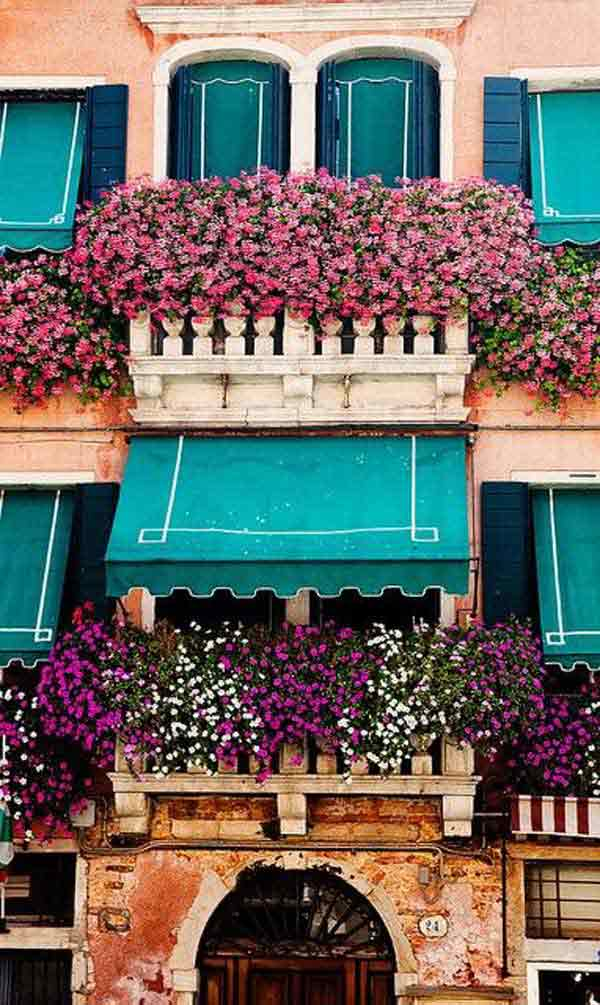 AD-Spectacular-Balcony-Garden-7