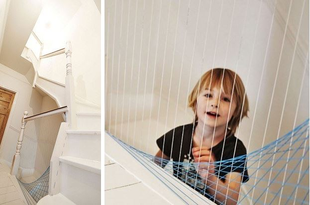 AD-Turn-Your-Banister-Into-A-Play-able-Harp