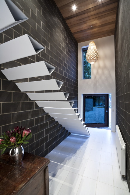 AD-Sleek-Floating-Staircases-15